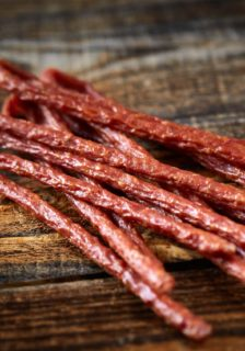 Bison Jerky – Snacking for Carnivores